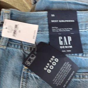 Gap Best Girlfriend jeans!  NWT.  size 33
